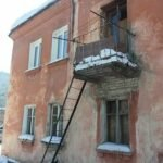 Россиян из аварийных домов хотят переселять за счет ипотеки