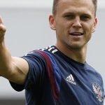 Звездный футболист Денис Черышев прилетел наАлтай отдохнуть