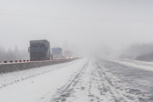 В Алтайском крае ограничено движение большегрузного и пассажирского транспорта