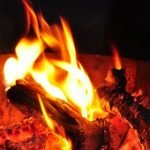 СК проводит проверку после гибели семьи при пожаре на Алтае