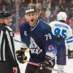 Алтайские хоккеисты начали новый год свалидольной победы