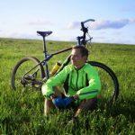 Алтайский футболист доехал на велосипеде до Малайзии