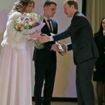 «Счастливой и долгой семейной жизни!»: Томенко поздравил алтайского пограничника