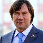 «Томенко, денег дай!»: лидер алтайских «справедливоросов» предлагает дать победный транш детям войны