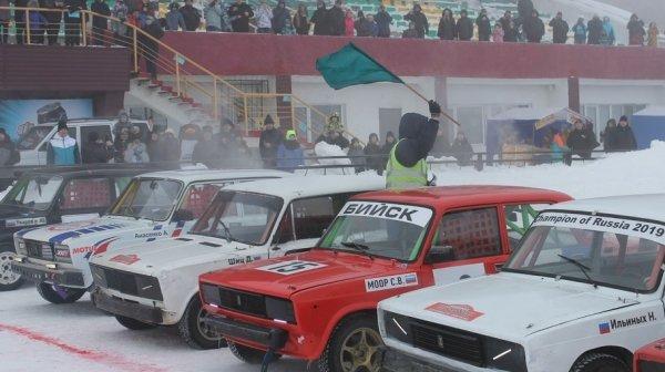 За туманами: как в Барнауле прошел чемпионат Алтайского края по зимним трековым гонкам