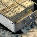 Стали известны новые правила провоза денег через границу