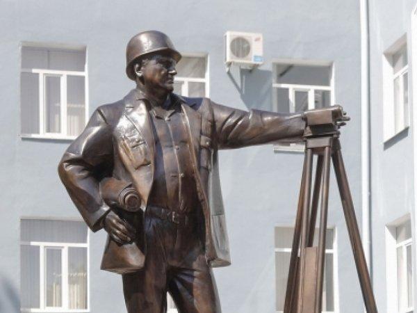 Памятник строителям установят в Барнауле