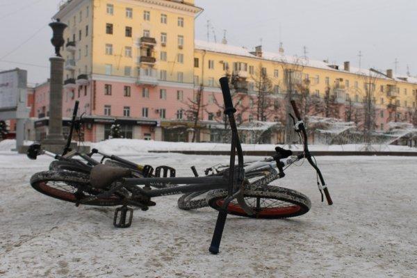 """Сугробы страшнее морозов. Как в Барнауле провели акцию """"На работу на велосипеде"""""""