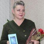 На Алтае победительнице конкурса «Спасибо интернету» подарили смартфон