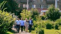 Авторы «доблестной» стелы присматриваются к предложенным для ее установки местам в Барнауле