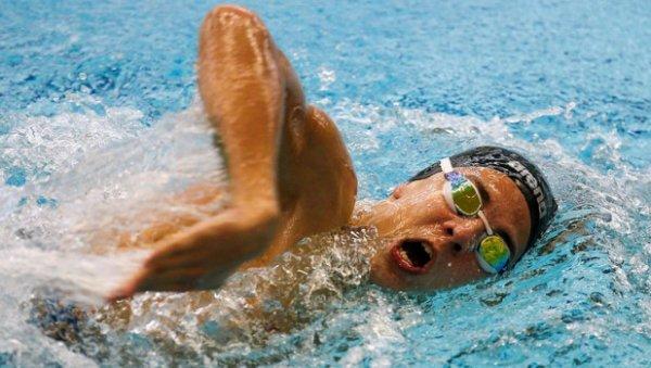 Пловец изАлтайского края Роман Жданов принес Рф золото иустановил мировой рекорд наПаралимпиаде
