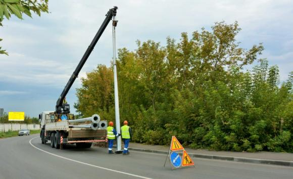 На въезде в Барнаул делают освещение