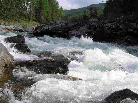 Стали известны подробности гибели рафтера на Алтае