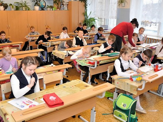 96 процентов школьников Алтайского края учатся в очном формате