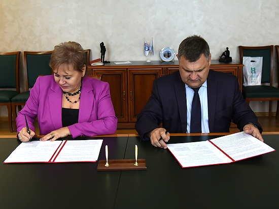 АГМУ и АлтГТУ подписали договор о сотрудничестве в области реализации совместных научных исследований
