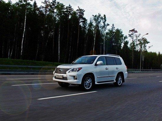 Алтайская прокуратура отобрала подозрительный Lexus у экс-депутата