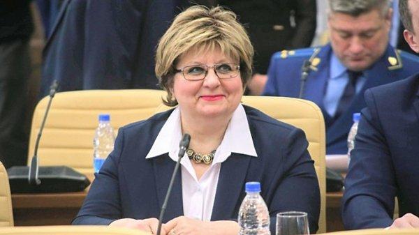 Барнаульская коммунистка сложила полномочия в гордуме ради АКЗС