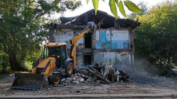 Ещё три аварийных дома снесли в Барнауле