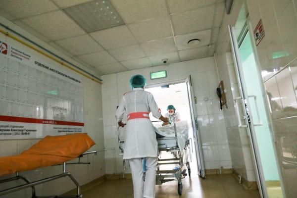 «Эта болезнь никого не щадит». Алтайский кардиолог рассказала о первых опасных «звоночках»