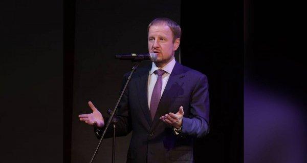 Губернатор Виктор Томенко поделился впечатлениями от премьеры спектакля «Непрощенная»