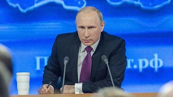 Иностранные политики восхитились красивой переводчицей Путина