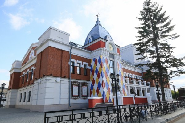 Как прошло открытие алтайского театра кукол «Сказка». Фоторепортаж
