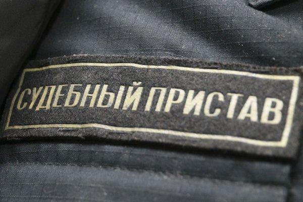 Коллекторов наказали за частые звонки жительнице Барнаула