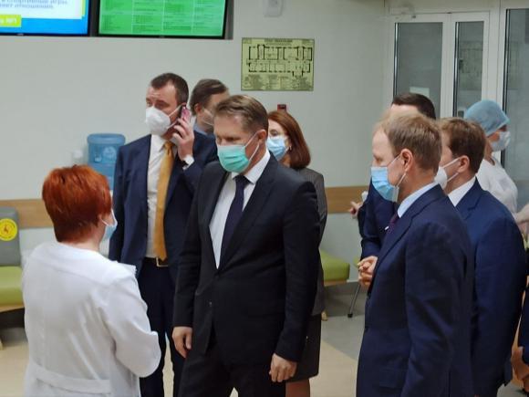Министр здравоохранения РФ Михаил Мурашко прибыл в Алтайский край
