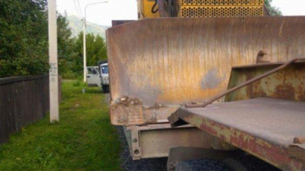 Молодой водитель грузовика погиб при лобовом ДТП с автоцистерной под Новосибирском. Фото