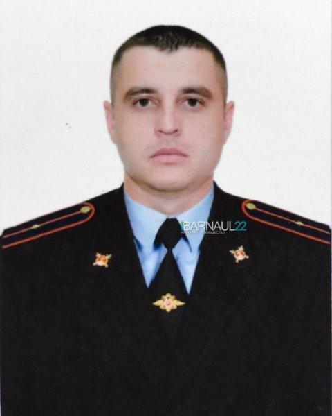 На Алтае родные добиваются обжалования приговора в отношении полицейского, которого обвинили в убийстве