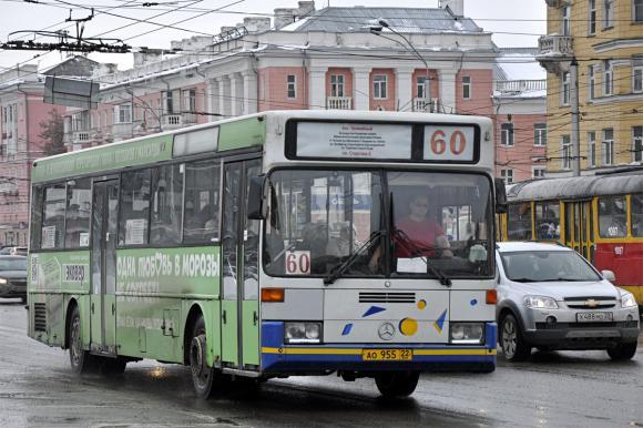 Перевозчики Барнаула снова просят поднять тариф на проезд