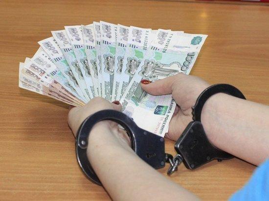 Первого замглавы Первомайского района подозревают в получении крупной взятки
