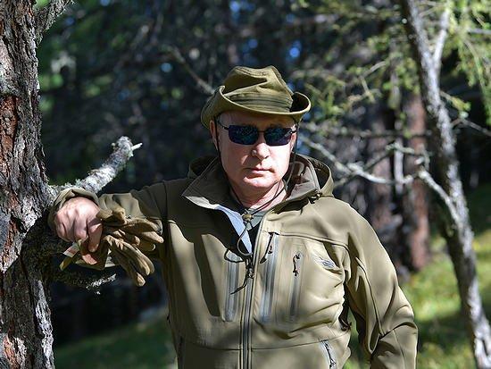 Президент России Владимир Путин сейчас отдыхает в Сибири в компании Шойгу