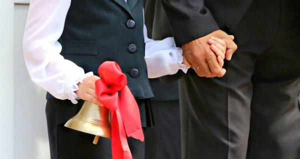 «Ребята, мы гордимся вами!»: Виктор Томенко и Александр Романенко поздравили жителей края с началом учебного года