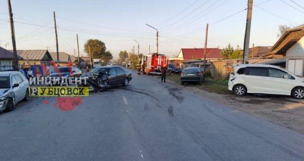 Стали известны подробности аварии в Рубцовске, в которой пострадали пять человек