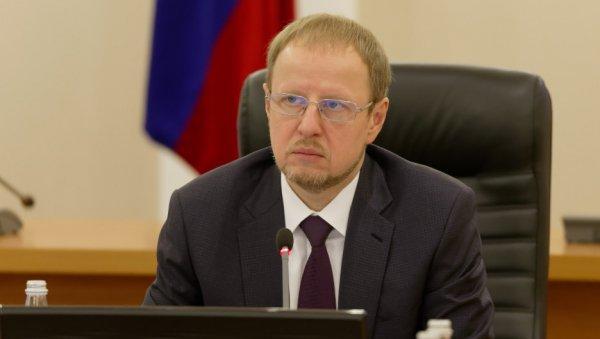 «Все легкое уже решено давно»: губернатор Томенко жестко раскритиковал алтайский минздрав