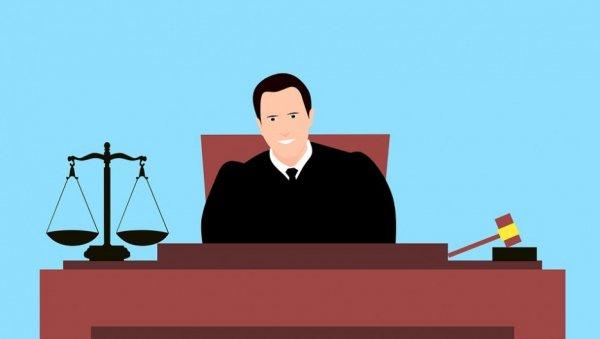«Выругался словом мужского рода». Как жители Алтайского края оскорбляли судей ичто имзаэто было