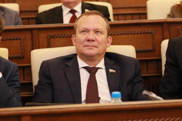 Алтайский парламент назначил сенатором единоросса Виктора Зобнева
