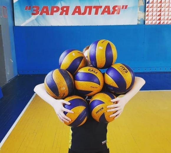 Барнаульцев зовут в выходные поиграть в волейбол