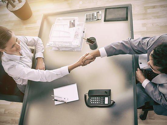 Барнаульские работодатели повышают зарплатные предложения