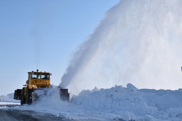 Более 450 машин будут чистить трассы края зимой