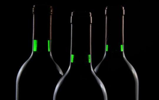 Более тысячи жителей Алтая отравились контрафактным алкоголем в 2021 году