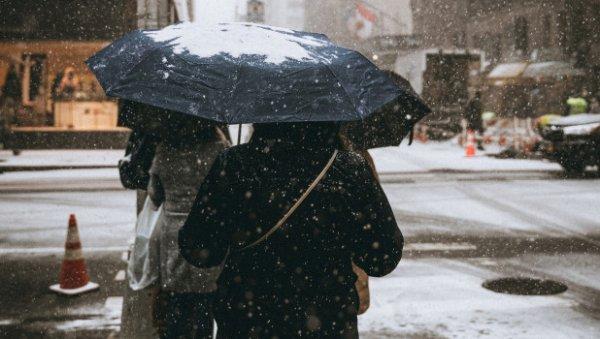 Мороз до-7 градусов игололед обрушатся наАлтайский край
