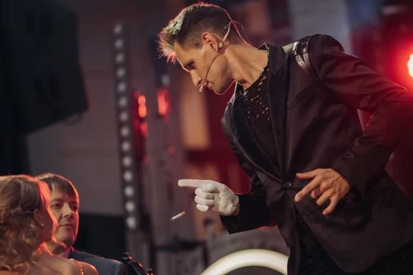 Новый ведущий шоу «Битва экстрасенсов» рассказал о Рубцовске, своем отношении к мистике и хайпе на шоу