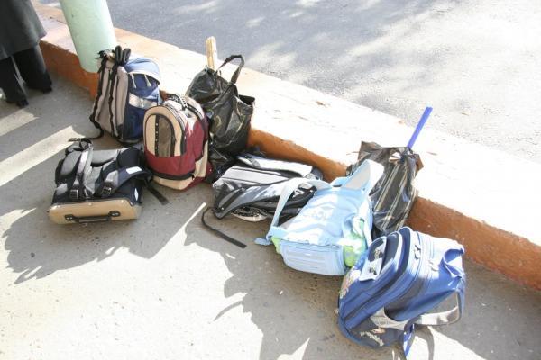 Порно-фото, короткие юбки и «Бегите, землетрясение!»: барнаульцы – о школьных розыгрышах