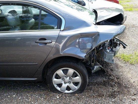В Бийске сразу четыре автомобиля пострадали в одном ДТП