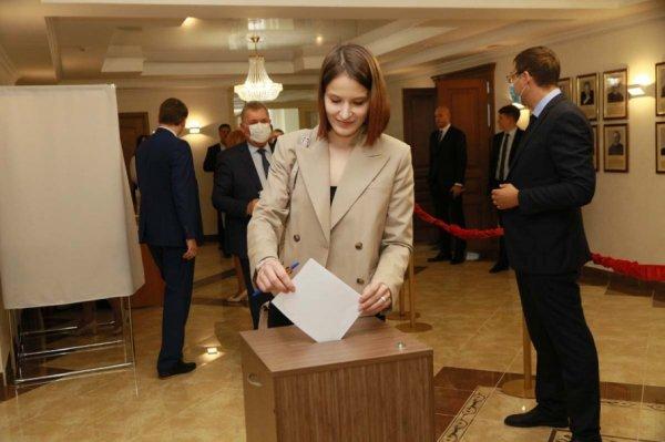 Восьмой созыв алтайского парламента стал рекордным по числу женщин